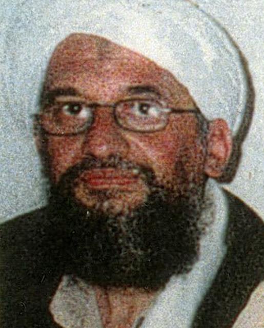 A Casa Branca sinalizou uma nova abordagem para eliminar Ayman al-Zawahri, mas a agência de inteligência paquistanesa tem protegido o líder da al-Qaeda