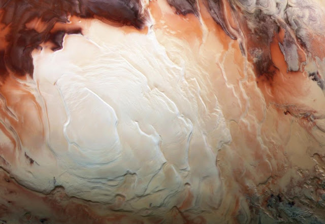 Descubren red de lagos salados ocultos en Marte
