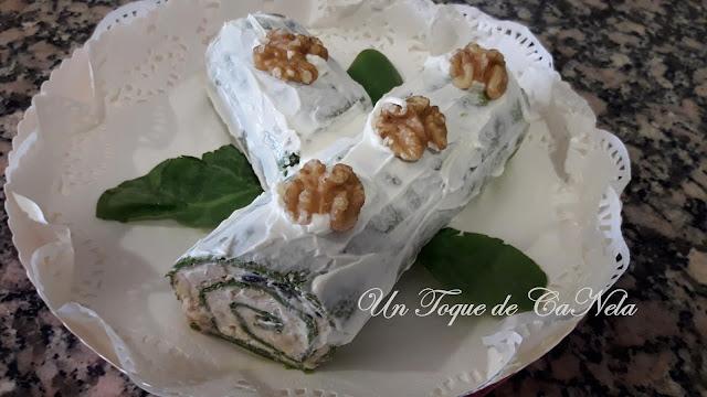 Tronco De Espinacas Con Queso Crema, Nueces Y Aceitunas