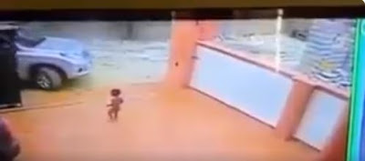 CCTV Camera Shows The Lucky Moment A Child Escaped Being Crushed By The Dad