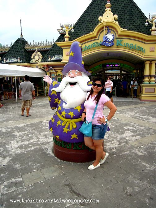The wizard outside Enchanted Kingdom