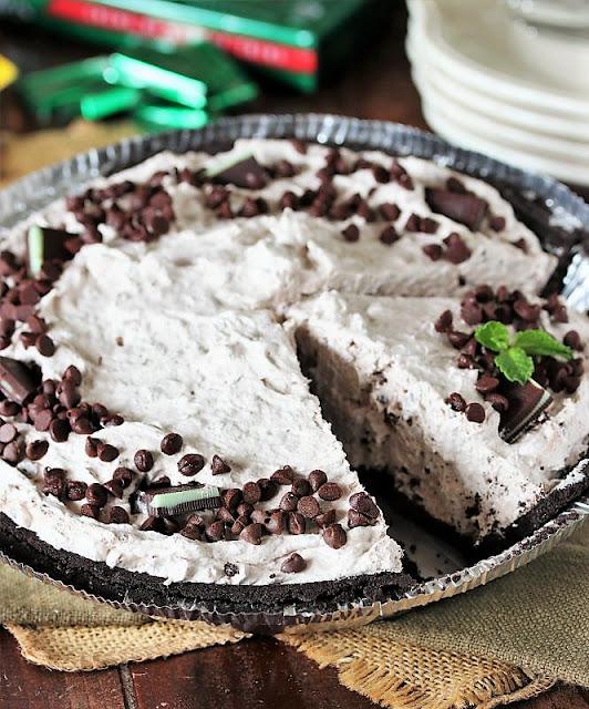 No-Bake Mint Chocolate Chip Pie Image