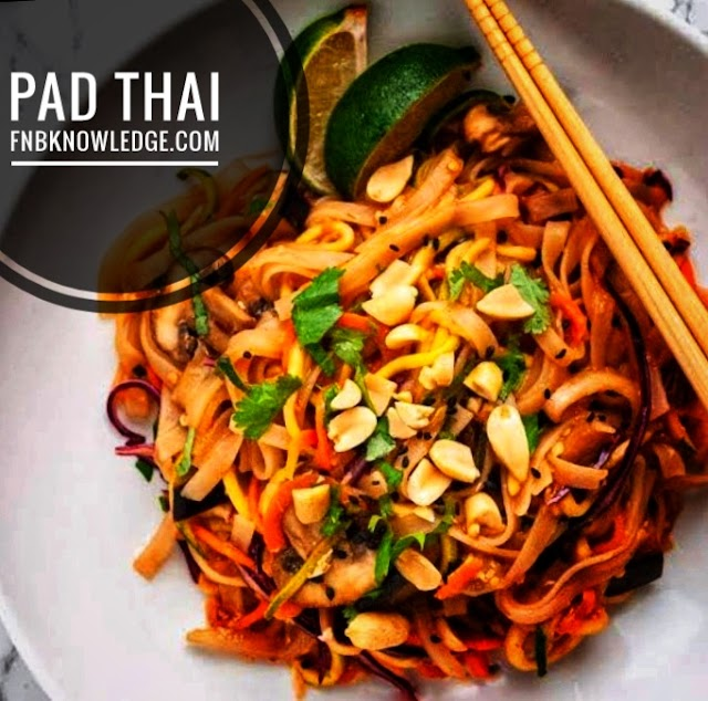 Pad Thai noodles Cooking
