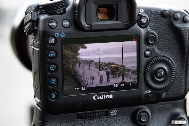解決 Canon 相機長時間拍攝的供電問題 - 電池無法正常顯示