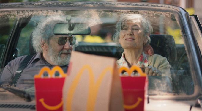 ¿A quién haces feliz este verano?  Comercial de McDonald's Holanda al finalizar la cuarentena