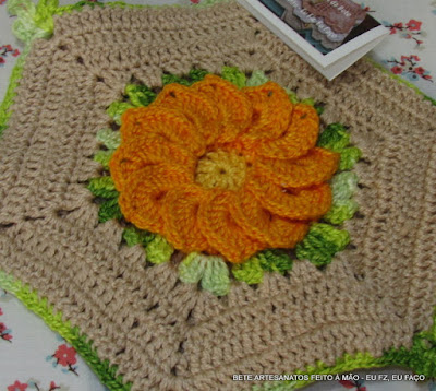 Pega Panelas  Flor Begônia em Crochê