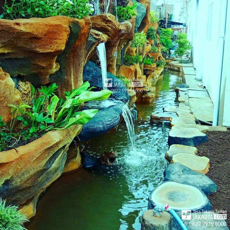 Jasa pembuatan taman Dekorasi Air Terjun