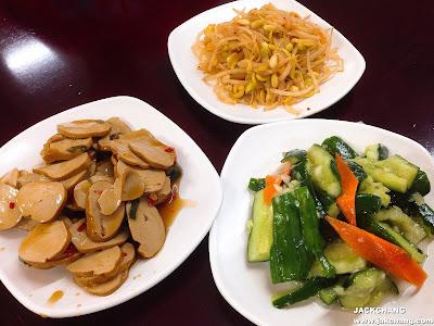 小菜、素雞、小黃瓜、黃豆芽