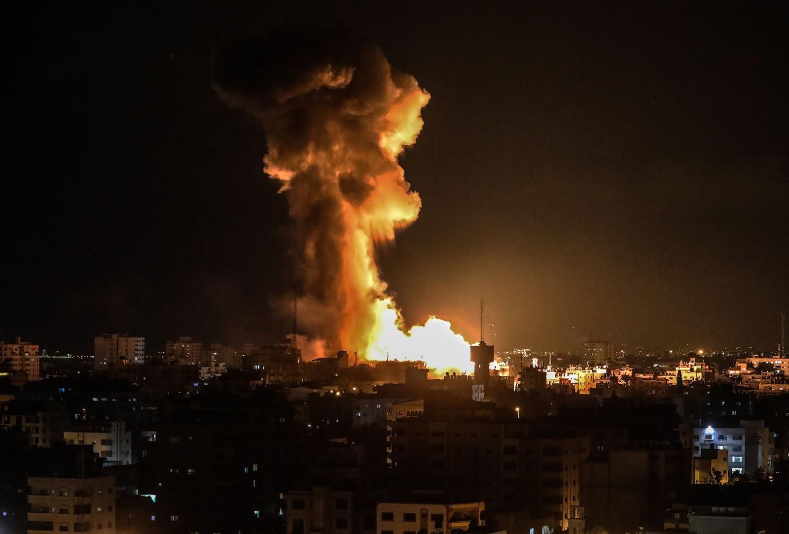 Biadab, Zionis Israel Serang Gedung Aqsa TV di Gaza