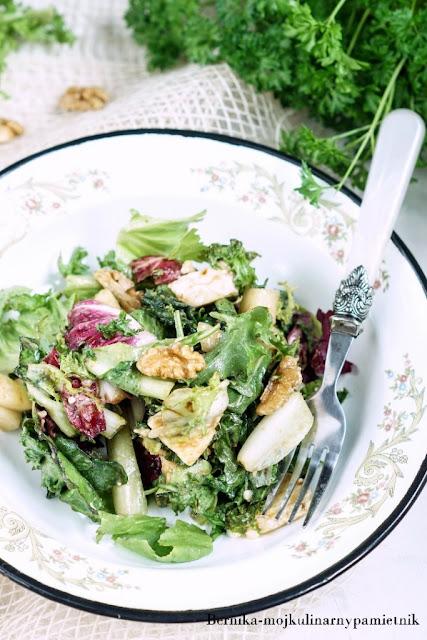 salatka, gruszka, camembert, grill, obiad, bernika, kulinarny pamietnik