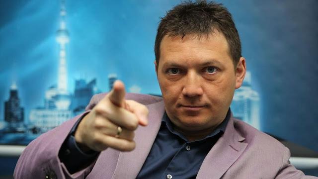 Российский телекомментатор пожаловался на свои доходы. Он получает около 600-800 тысяч рублей в месяц