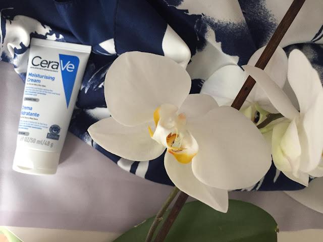 Kuru ve çok kuru ciltlerin aradığı krem CeraVe moisturizing cream