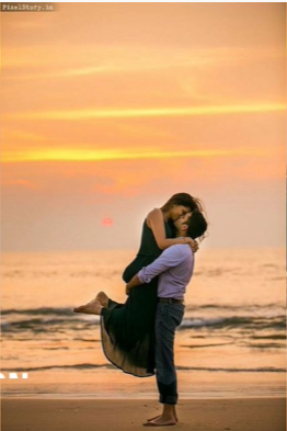 Photoshoot pose for couple in Beach