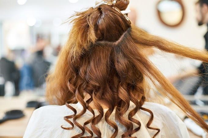 कंघी बालों के लिए 10 उचित बालों के लिए युक्तियाँ