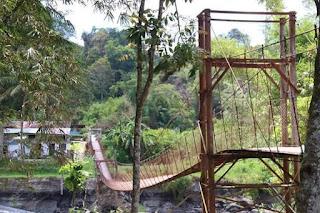 Jembatan di Desa Hapoltahan