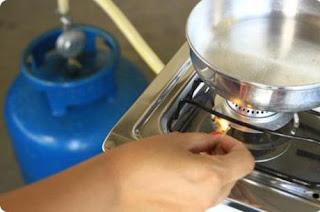 Valor do gás de cozinha aumenta nesta quinta e será reajustado todo mês, diz sindicato