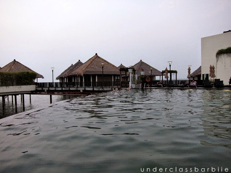 avani sepang swimming pool