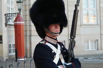 6 Fakta Tentara Pengawal Ratu Inggris Yang Harus Kamu Ketahui
