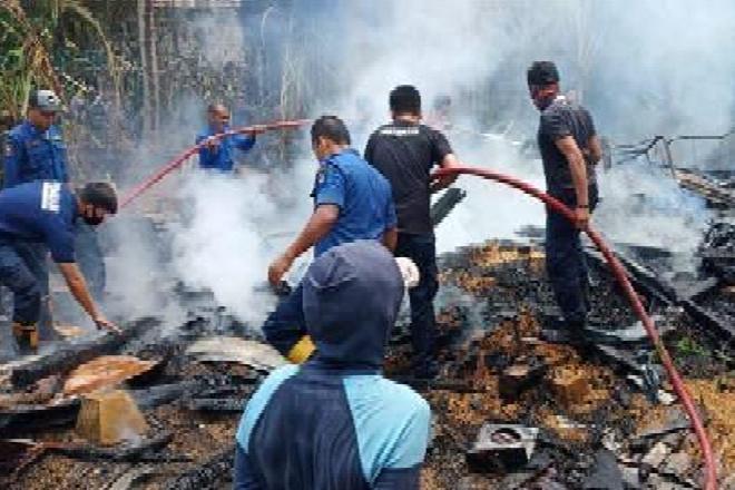 Kebakaran di Barebbo, Hanguskan Satu Rumah