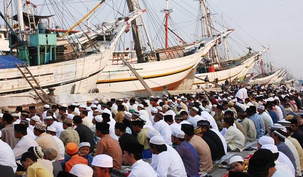 Sholat Id di Pelabuhan