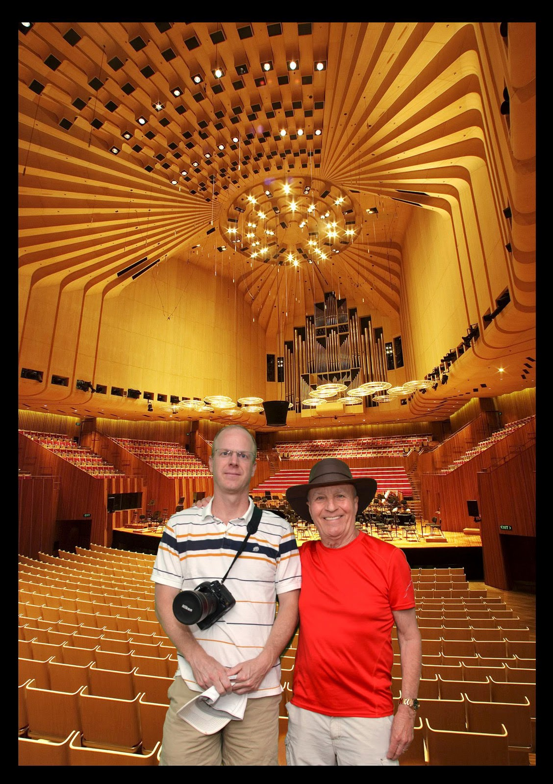 Worlds End Tiles >> Kiwis and Blokes: Sydney Opera House, April 1