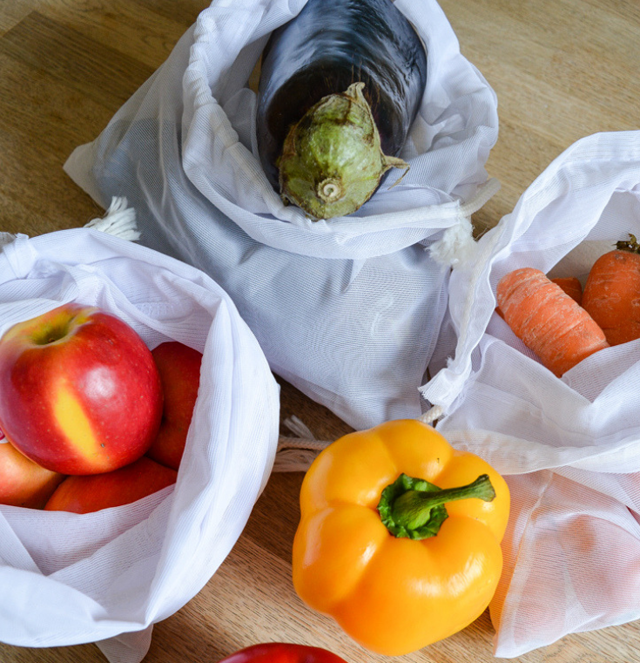 Ditch the plastic & make your own reusable produce bags for fruit & vegetables. Threading My Way