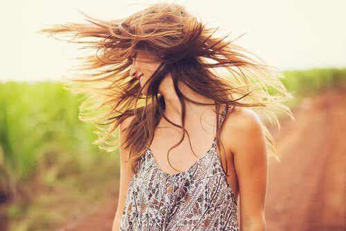 Chế độ ăn uống tự nhiên để làm cho tóc mọc nhanh