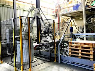 yapı kimyasalları tesisi paletleme robotu