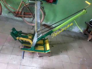 MESIN TANAM PADI ( Rice Transplanter )