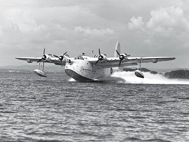 24 April 1941 worldwartwo.filminspector.com Short Sunderland