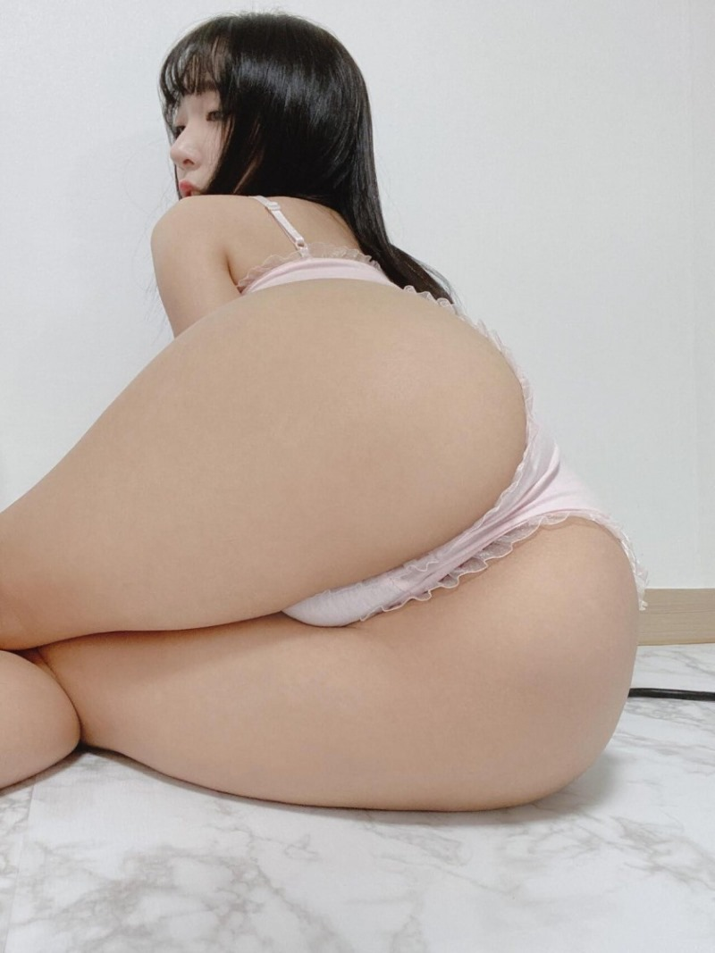 강인경 엉덩이 - 곰타이