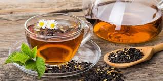In a recent study, it was found with significant measures when drinking tea can reduce the amount of glucose in adults laden given sucrose drinks beforehand. Contains polyphenols, experts believe that the strong compounds in tea can block the absorption of sugar.  Controlling blood sugar levels known to be important for the prevention of potentially deadly conditions. This factor is also considered the key to reducing the risk of complications that changed the fate of those who have been diagnosed with the disease.
