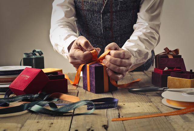 11 Jenis Hadiah Untuk Lelaki Yang Sesuai Untuk Mereka