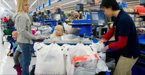 Cette maman dans le besoin n'aurait jamais pensé qu'elle serait traitée comme ça dans un supermarché.