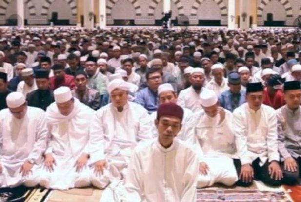 Jangan Anggap Enteng Kekuatan Ustadz Abdul Somad