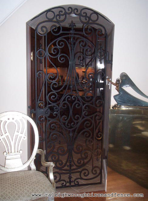 Art and interior wrought iron the art of handcraft - Interior decorative wrought iron gates ...