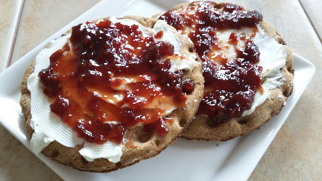 Rye Crisps with Cream Cheese and Raspberry Chipotle Preserves
