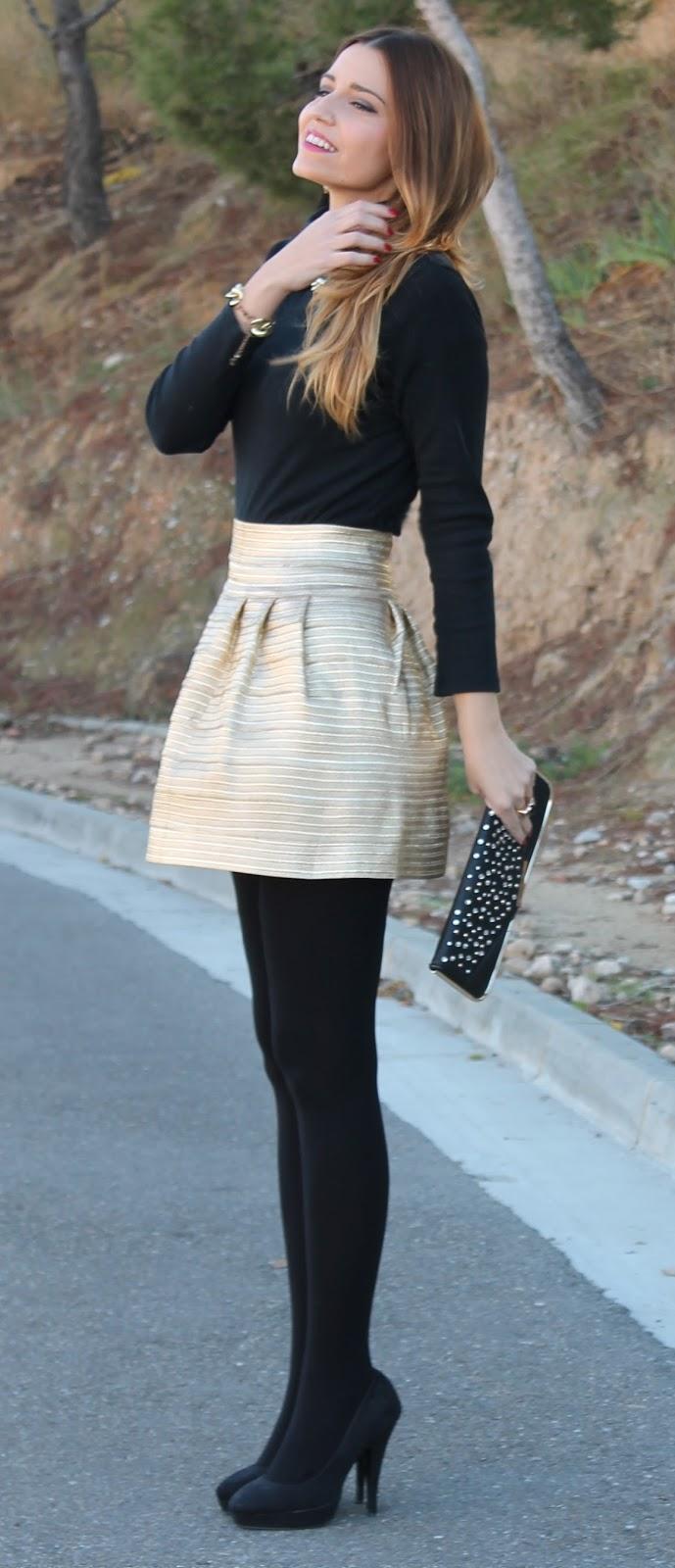 trendy outfit idea : black top + skirt + heels + heels