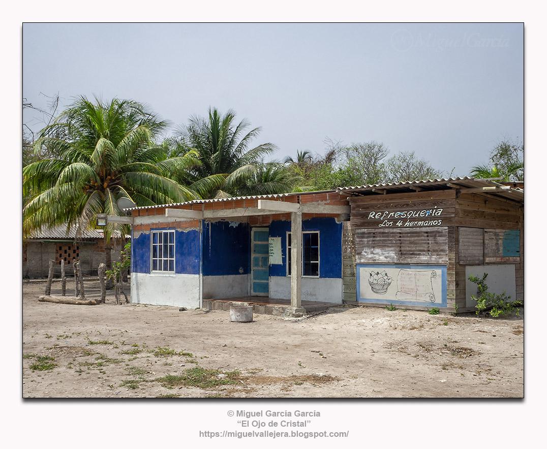 Isla Grande, Colombia. «Refresquería los 4 hermanos»