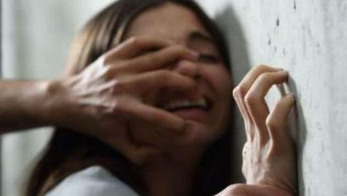 التحقيقات في فيديو إغتصاب فتاة قاصر على المباشر يفجر معطيات صادمة، والأمن يدخل على الخط