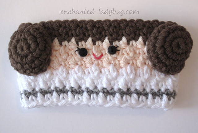 Free Pattern: Crochet Princess Leia Coffee Cup Cozy