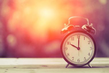 اضبط وقتاً محدداً للاستيقاظ