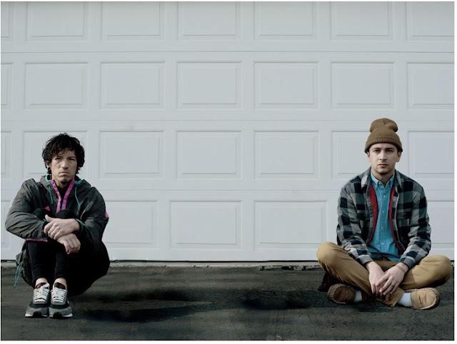 """Twenty One Pilots estreia nova música """"Level Of Concern"""","""