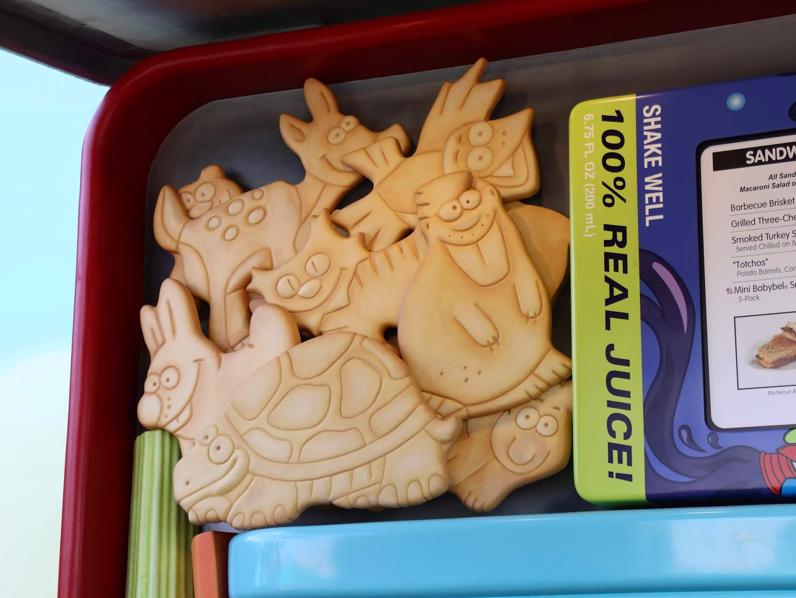 Toy Story Land Woody's Lunch Box REVIEW