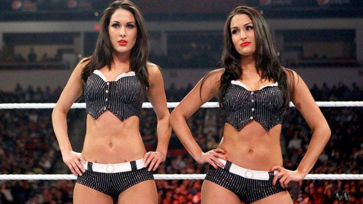 WWE está em conversas com as Bellas Twins sobre um possível retorno