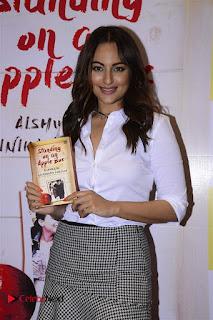 Sonakshi Sinha Karan Johar at Aishwarya Rajinikanth Standing on an Apple Box Book Launch Event  0030.jpg