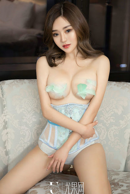 Hot and sexy topless photos of beautiful big boobs asian hottie chick Chinese booty model Ugirls Mimi photo highlights on Pinays Finest Sexy Nude Photo Collection site.