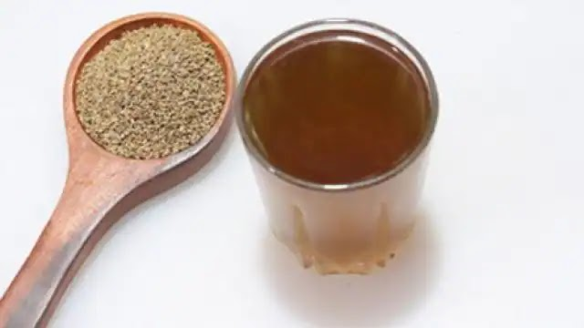 इम्युनिटी बढ़ाने के लिए रोजाना पिएं अजवाइन का काढ़ा, सर्दी-जुकाम का खतरा भी होगा कम