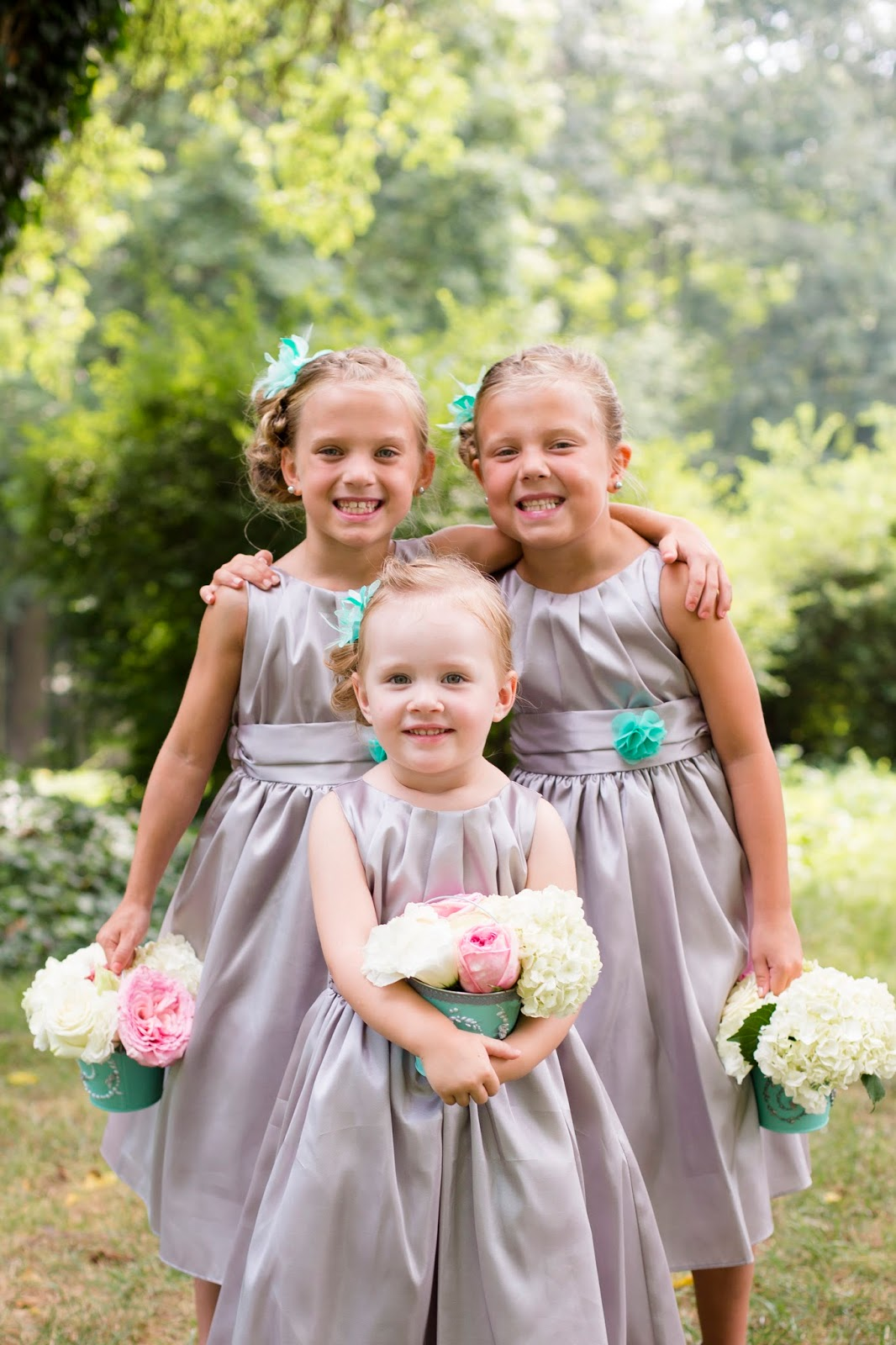 Adorable buckets for your flower girls are so easy to make! | Meet the B's