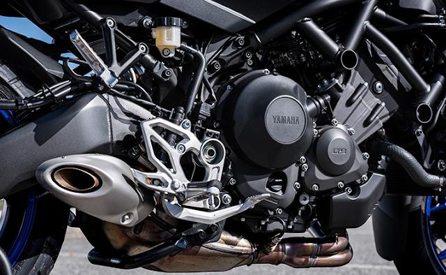 2018 Yamaha Niken Review